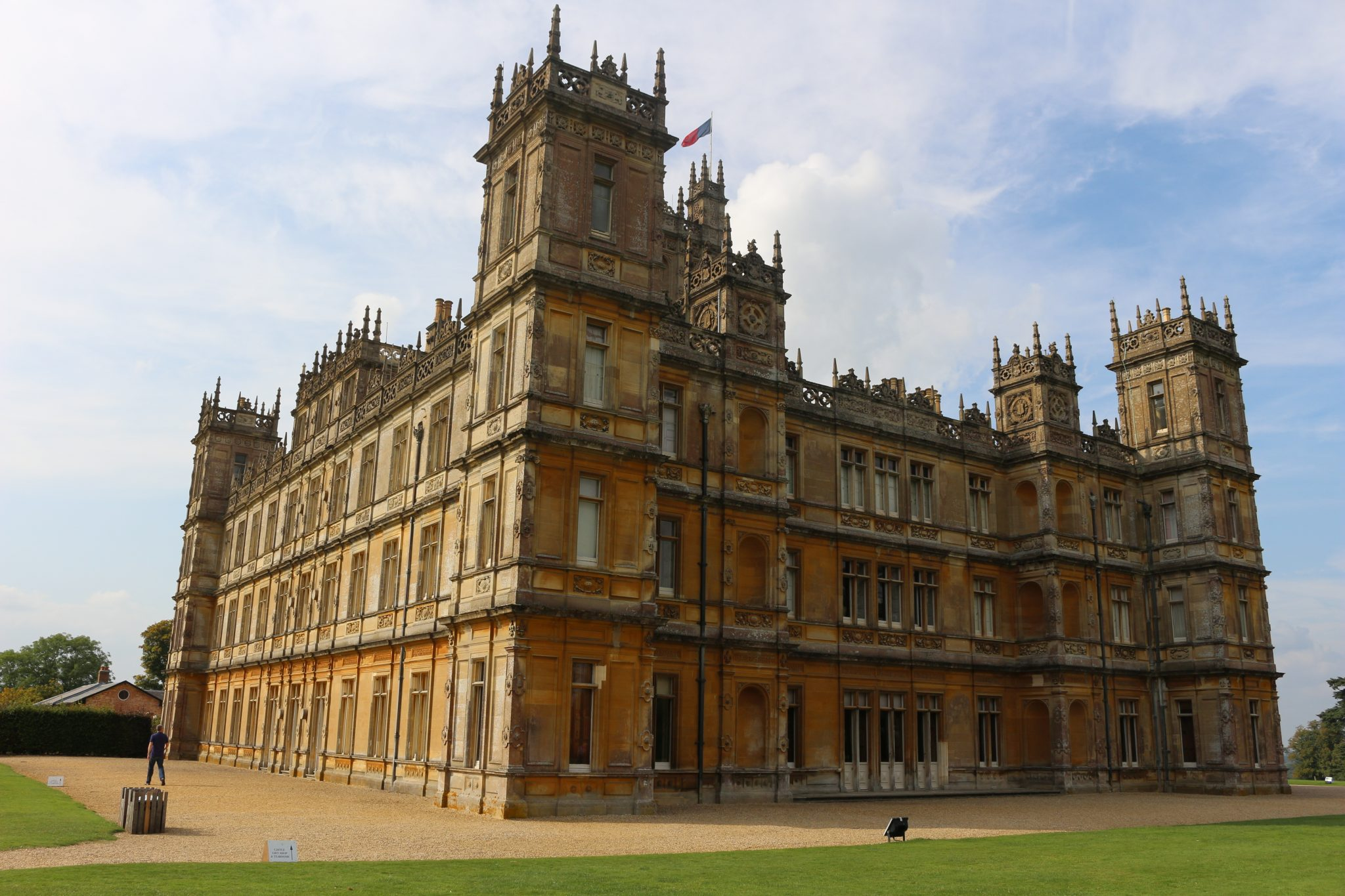 Private tours to highclere castle from london for Downton abbey tour tickets